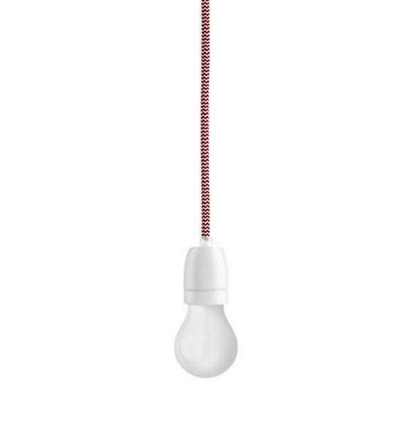 Porcelánové závesné svietidlo s textilným káblom v červeno-bielej farbe