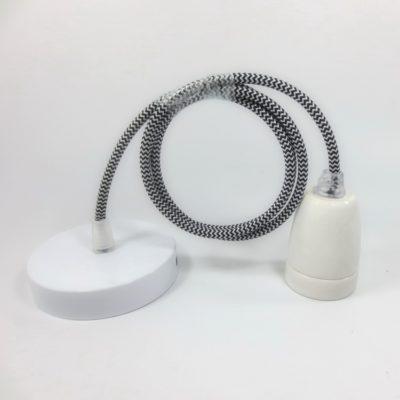 Porcelánové-závesné-svietidlo-s-textilným-káblom-v-čierno-bielej-farbe2