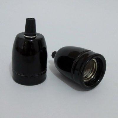 Porcelánové kvalitné objímky v elegantnom štýle pre žiarovky s päticou E27. Vybavená skrutkou pre zabránenie vytiahnutia kábla zo zásuvky (2)