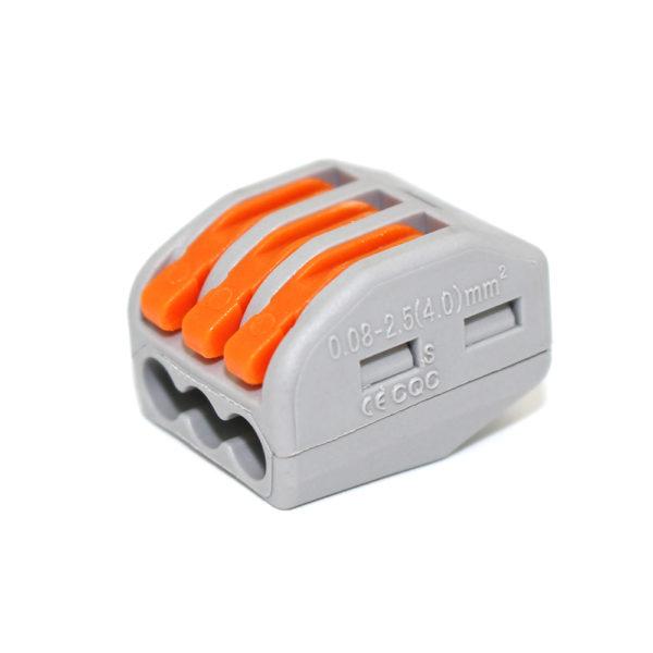 Lustrová svorka - trojpólová. Testované v zhode s EN 60998 normou. Terminál (spojka) bez skrutiek pre spájanie elektrických káblov