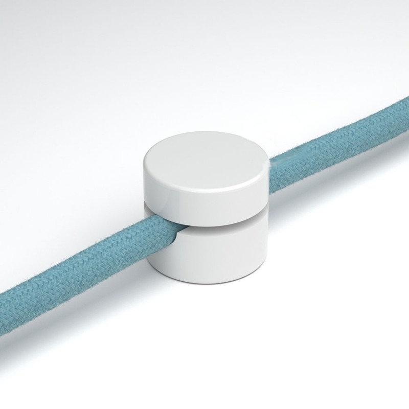Univerzálna nástenná káblová svorka pre textilné káble v bielej farbe (1)