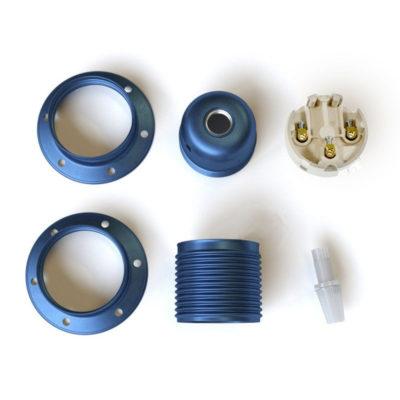 kovová-e27-objímka-exclusive-zafírovej-metalickej-farby-s-2-krúžkami-na-tienidlo-100-vyrobená-v-taliansku