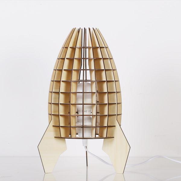 Originálne-stolové-drevené-svietidlo-z-kolekcie-iWood-VAZE4