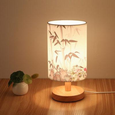 Stolová-drevená-lampa-so-spínačom-a-vzorom-kvetov-2